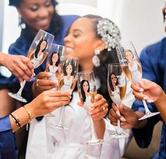 Champagne flutes customized with cartoon picture of the bride {Pharris Photography}