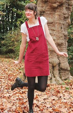 Laura's Cleo Dress - pattern by Tilly and the Buttons Sewing Clothes, Diy Clothes, Dungaree Dress, Dungarees, Dress Patterns, Sewing Patterns, Fashion Musthaves, Overalls Fashion, Tilly And The Buttons