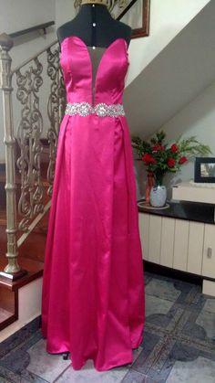 Vestido de Festa Pink, com cinto bordado em Pedraria