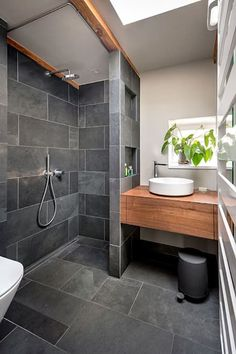bathroom black gray slate wood: minimalist bathroom by CONSCIOUS . black, bathroom black gray slate wood: minimalist bathroom by CONSCIOUS . Tiny House Bathroom, Bathroom Design Small, Bathroom Renos, Bathroom Layout, Bathroom Interior Design, Bathroom Black, Bathroom Designs, Wood Bathroom, Bathroom Remodeling