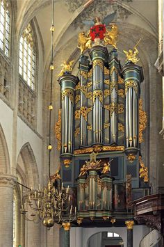 Breda (Noord-Brabant) - Orgel Grote Kerk #breda #kerk #orgel Piano, Religion, Holland, Beautiful Moon, Historical Art, Amsterdam Netherlands, Western Art, Kirchen, Musical Instruments