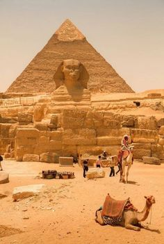 Sphinx & Pyramid in Cairo, Egypt