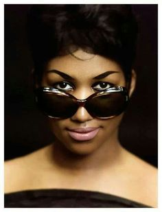 Find and Buy Aretha Franklin Tickets Online. Aretha Franklin 2019 Schedule Tickets Will Be Sold Out Soon. Search our Aretha Franklin tickets for the best seats. Music Icon, Soul Music, My Music, Gospel Music, Aretha Franklin, Girl Bands, Photo Star, The Blues Brothers, Jazz Blues