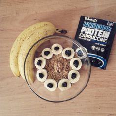 Oatmeal with cappucino protein, banana, black cherry, walnut