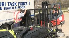 Bomberos del área de St. Louis se dirigen a Texas para servir durante el impacto del huracán Harvey