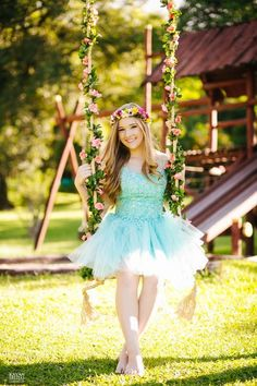 Dynamic assured quinceanera photography Give us your feedback 15 Dresses, Fashion Dresses, Flower Girl Dresses, Girl Photo Poses, Girl Poses, Quinceanera Dresses, Quinceanera Decorations, Book 15 Anos, Photography Poses