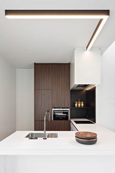 Obumex I Kitchen I White I Brown I Lightning I Design
