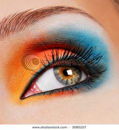 Orange/blue makeup look