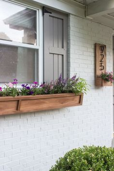 These DIY window boxes are the perfect finishing touch for your home's exterior. Find a tutorial here that works for your home, and watch how easily these window box project's elevate your home's exterior. Wooden Window Boxes, Wooden Flower Boxes, Fall Window Boxes, Window Box Flowers, Diy Flower Boxes, Window Box Diy, Wooden Windows, Window Ideas, Flower Beds