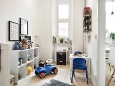 black and white kidsroom with pops of color