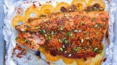 Baked Pineapple Salmon - How to Make Baked Pineapple Salmon Baked Salmon Recipes, Fish Recipes, Seafood Recipes, Recipies, Pineapple Salmon, Baked Pineapple, Greek Salmon Recipe, Roast Fish, Sweet And Spicy Sauce