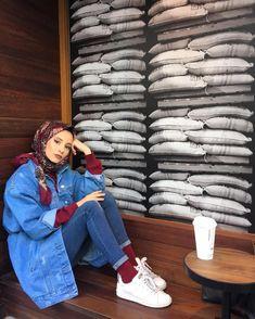 "2,452 Beğenme, 41 Yorum - Instagram'da ŞURA ER (@senasuraa): ""HELLÖ"" Casual Hijab Outfit, Hijab Chic, Casual Dresses, Muslim Fashion, Modest Fashion, Fashion Dresses, Mode Outfits, Chic Outfits, Hijab Jeans"