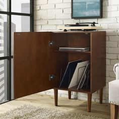 Shop Crosley Furniture CF1104-MA Everett Record Player Stand at The Mine. Browse our audio racks, all with free shipping and best price guaranteed. Modern Record Player, Record Player Stand, Vinyl Record Player, Record Players, Lp Player, Crosley Record Player, Lp Storage, Vinyl Storage, Record Storage