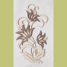Fensterbild aus feinen Sperrholz mit  aufgesetzten Edelholzfurnier Lotusblüten