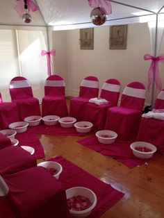 Pedicure Party: Little Girls Spa Birthday Party Ideas . Spa Themed Girls Party - Photos - Ideas and Tips About Our Girls Spa Spa Birthday Parties, Sleepover Party, Slumber Parties, Birthday Party Themes, Pajama Party, Pamper Party Kids, Birthday Ideas For Girls, Carnival Birthday, Bachelorette Parties