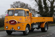Vintage Trucks, Old Trucks, Classic Trucks, Classic Cars, Old Lorries, Old Wagons, Road Transport, Busses, Commercial Vehicle