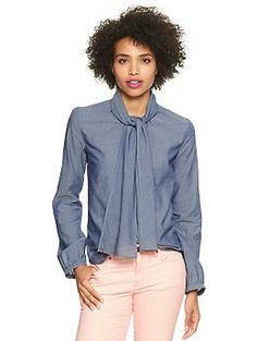 chambray top. Love the bow tying option. Will look great under a sweater or dress.