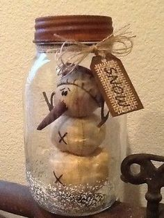 Primitive-Christmas-Honey-and-Me-Snowman-Ball-Mason-Jar-Snow-Globe-Rusty-Lid-Tag
