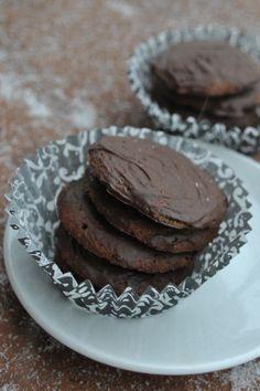 Vegan Thin Mint Cookies // vedgedout.com #vegan #cookies #Christmas