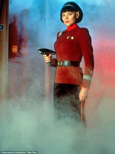 Kim Cattrall is barely recognisable in film stills from Star Trek - Pinnwand Star Trek Characters, Star Trek Movies, Female Characters, Star Trek Vi, Star Wars, Kim Cattrall, Thriller, Science Fiction, Star Trek Convention