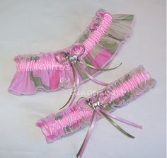pink Camo wedding garter.... wouldnt have to be pink :) very simple to make