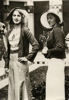 Miss Turkey and Miss Italy, 1930