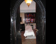 Hammam (Arredamento) prodotti hammam, Particolare di una c Oversized Mirror, Curtains, Furniture, Home Decor, Steam Room, Blinds, Decoration Home, Room Decor, Home Furnishings