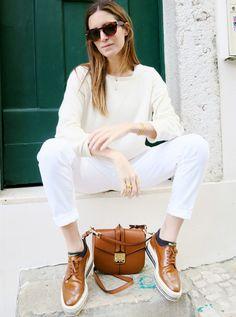 Total look blanc + accessoires caramel = le bon mix (creepers Prada - blog Amlul)