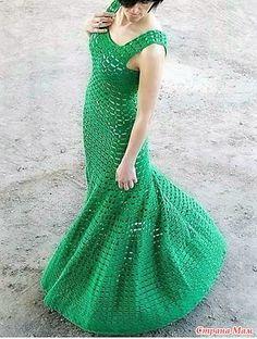 . Эффектное макси-платье для любого торжества.
