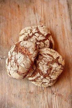 Alm-Rezepte: Hütten-Vinschgerl - Plötzblog - Selbst gutes Brot backenPlötzblog – Selbst gutes Brot backen