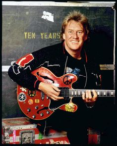 Alvin Lee (Ten Years After) and his 1958 Gibson ES-335.