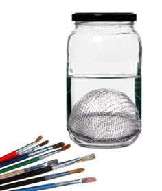 Create your own paint brush cleaning container to make cleaning your paint brushes easier.