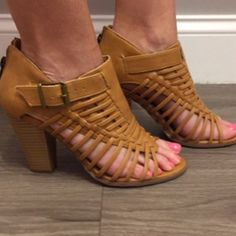 New heels! These whiskey colored, strappy heels are so comfortable and we love the zipper back closure! - $42 #newarrival #sotd #heels #strappy #apricotlanedesmoines #shoplocal #apricotlane #shopalb