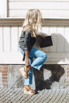 Todays outfit and a sweet surprise! Todays outfit and a sweet surprise! Jean Outfits, Fall Outfits, Fashion Outfits, Fashion Tips, Fashion Trends, Fashion Fashion, Womens Fashion, Mode Style, Style Me