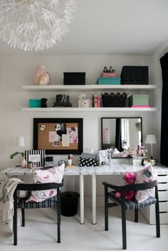 Teen bedroom makeover :: diy teen desk and vanity (click through for a video reveal & diy tips! Small Room Bedroom, Trendy Bedroom, Home Decor Bedroom, Girls Bedroom, Bedroom Ideas, Room Decor, Master Bedroom, Teen Vanity, Home Office