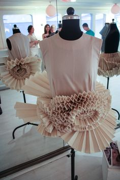 Le Bloc / Cologne/ Inside / fashion / students show there work /First Semester / skirt by Saskia Kruysen / Design Department