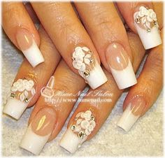 Miles de Diseños de Uñas: Diseños de uñas para novias con detalles de flores