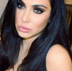Love Hudabeauty! Gorgeous dark healthy hair! She has tons of makeup tutorial and hair on youtube. Mua, latina inspiration, brunnette, brown eyes, beauty. Huda kattan.