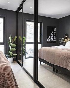 Bedroom Built In Wardrobe, Bedroom Closet Design, Bedroom Inspo, Master Bedroom, Bedroom Decor, Wardrobe Door Designs, Minimalist Bedroom, Home Decor, Ideas