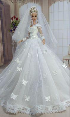 Color Designer Chiffon Dress Outfit Gown For Barbie Silkstone Fashion Royalty FR Barbie Bridal, Barbie Wedding Dress, Wedding Doll, Barbie Gowns, Barbie Dress, Barbie Clothes, Bridal Gowns, Wedding Gowns, Fashion Dolls