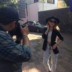 ¡Que dia tan divertido!  este es un pequeño adelanto del fresco y destellante #SHOOTING con @taigalvez  #Jewelry #RedQueenJoyeria #Blogger #Fashion #Glam #Shiny #Sparkle #Bling #Crystal #Blog #Pic #InstaPic #InstaMood #InstaFashion #TopModel #Mexico #CdMx #PhotoLovers #ShopOnline #Enjoy #Moda #Style #StreetStyle #PhotoShoot #photographer #potd