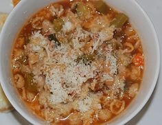 marys bites: Crock Pot Minestrone Soup (easy to make and perfect for visitors) Crock Pot Soup, Crock Pot Slow Cooker, Crock Pot Cooking, Slow Cooker Recipes, Crockpot Recipes, Veggie Recipes, Soup Recipes, Snack Recipes, Healthy Recipes