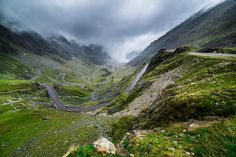 Top 10 Amazing Places To See In Romania 6 The Transfagarasan, Transylvania Holiday Destinations, Travel Destinations, Places To Travel, Places To See, Places Around The World, Around The Worlds, Chateau Medieval, Transylvania Romania, Visit Romania