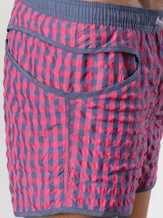 short de bain sylvester geronimo 2014 slip intégré lien de serrage 4 larges poches du s au xxl existe en bleu, noir, marine, rose et pistache http://www.romeo-lingeriemasculine.com/recherche/sylvester/