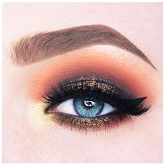 Makeup Geek Duochrome Eyeshadow in Voltage + Makeup Geek Eyeshadows in Americano, Cherry Cola, Corrupt, Dirty Martini, Morocco, Peach Smoothie and Shimma Shimma. Look by: Anneloes Debets