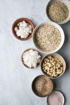 Clumpy Coconut Butter Granola - The Green Life - with buckwheat groats and coconut manna Almond Recipes, Vegan Recipes, Tienda Natural, Coconut Manna, Best Granola, Coconut Benefits, Cocoa, Healthy Breakfast Recipes, Love Food