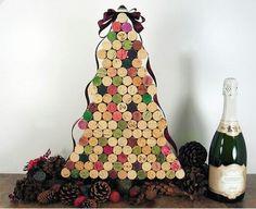 Подготовка к НГ - елка из винных пробок