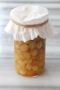 Üzüm Sirkesi Tarifi Turkish Recipes, Vinaigrette, Vinegar, Pickles, Food And Drink, Healthy Recipes, Stuffed Peppers, Homemade, Vegetables