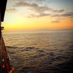 Le soleil se lève sur Amber Cove. Bonne journée! by guybolduc