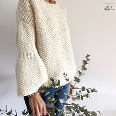 gorrolanaSchwarz Rot Langarm Strickpullover & Strickjacke – MODETALENTEThe Letters To Us — Yellow Chunky Hand Knitted Cosy Sleeveless Sweater. Sweater Knitting Patterns, Easy Knitting, Crochet Cardigan, Knitting Stitches, Knitting Yarn, Knit Crochet, Knit Fashion, Crochet Clothes, Knitwear